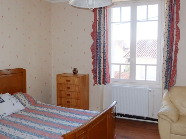 bedroom in house to rent - Carmaux