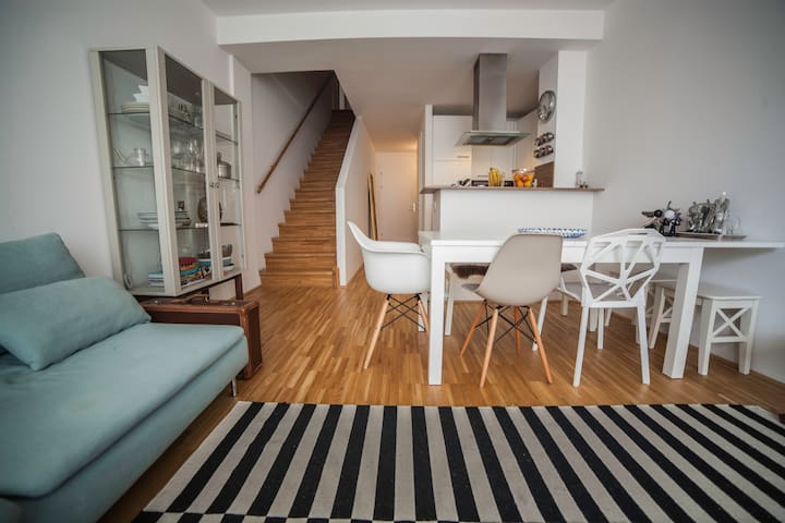 Fancy Flat with big bedroom next to metro station - Wien