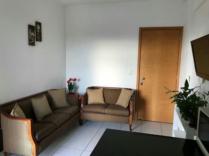 93.Apartamento setor sul, ótima região em Goiânia.