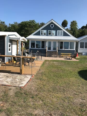 Waterfront House/Cottage for Rent - Port Stanley