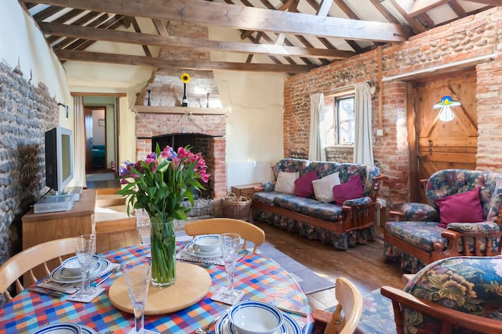 Barn Conversion rural meets coastal - Happisburgh - Dom