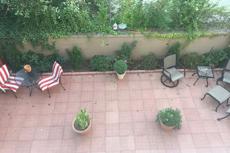 Immaculate Mini Studio Apartment for 1 Person - Bayonne - Haus