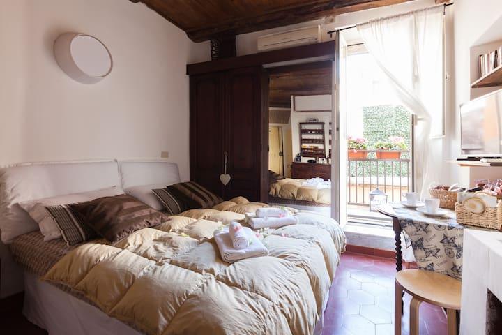 Old House Campo de Fiori - Roma - House