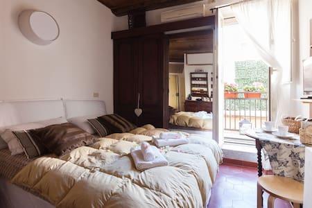 Old House Campo de Fiori - Rome - Maison