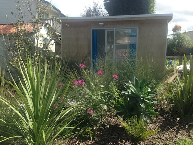 'House of flowers' garden cabin - Whangarei - Hytte