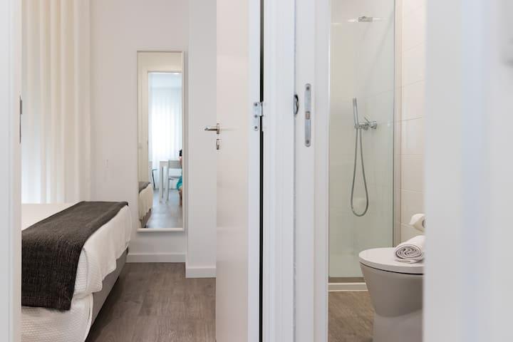 Quarto e Casa de Banho