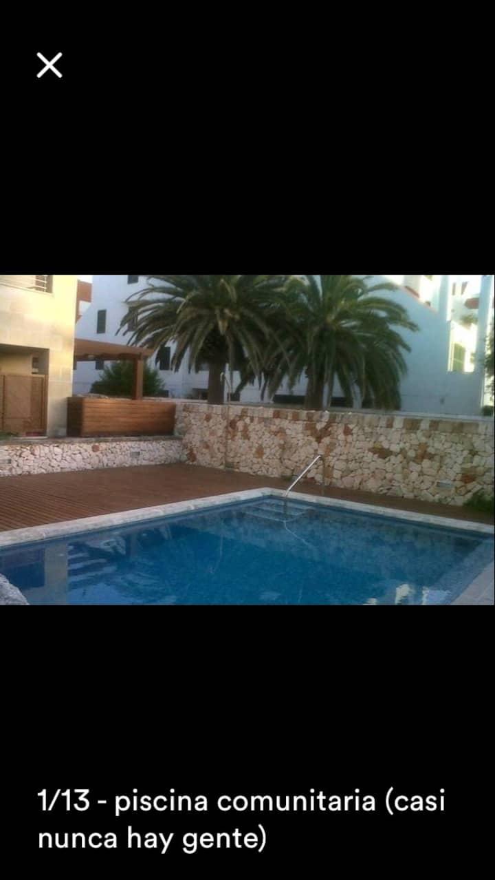 Habitac doble con piscina, terraza y baño privado.