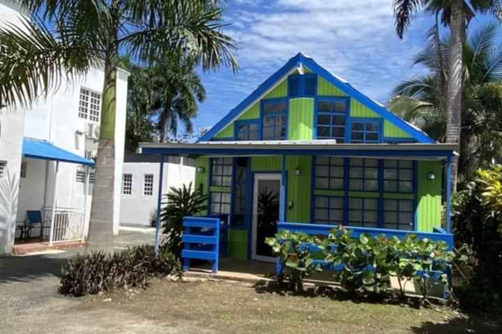 CHALET (BLUE HOUSE JOYUDA)