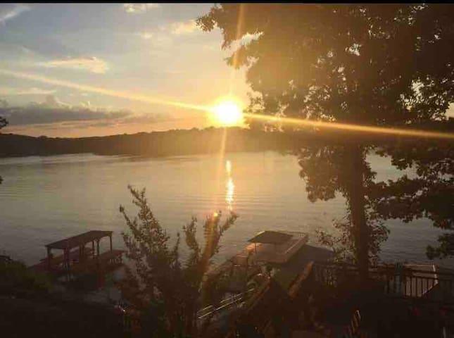 Sunset Escape on Logan Martin Lake *TALLADEGA FANS