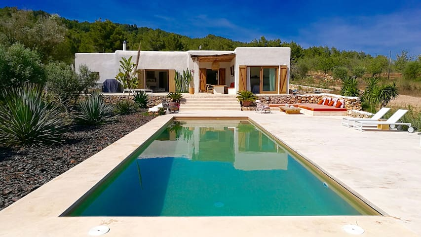 THE OTHER IBIZA ...PRIVATE ROOM WITH POOL