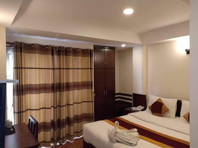 泰美尔 尼泊尔珠峰酒店 豪华单人房 含早