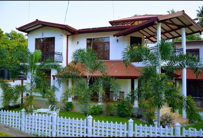 Casa White Lodge