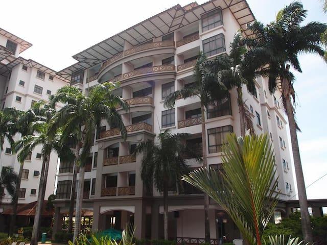 VioMaxs Mahkota 6047/1 bedroom/4th floor/Sea View
