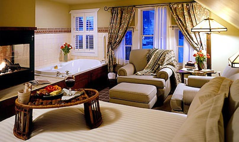Lake Pointe Inn Bed & Breakfast Sang Run Room - McHenry - Квартира