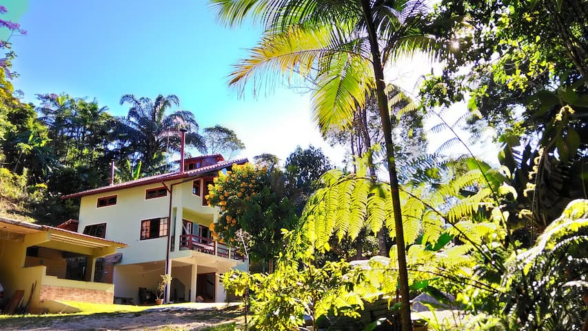 Lovely Riverside House - Nova Friburgo - House