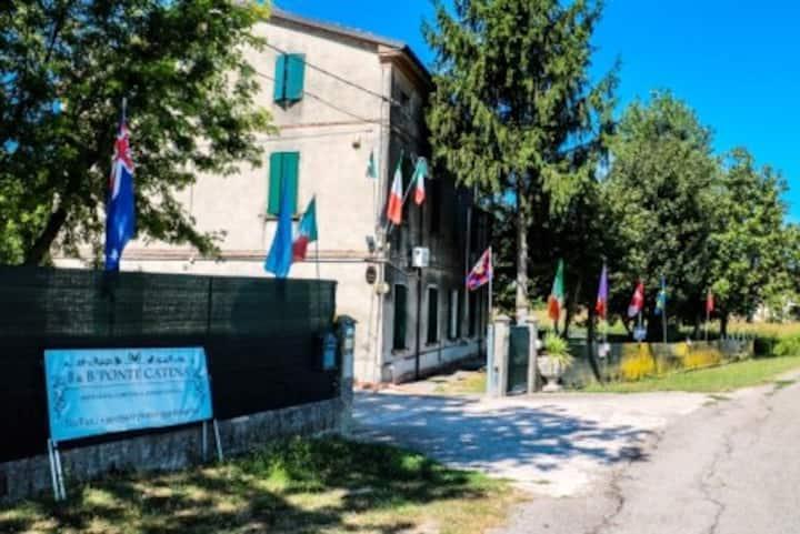 DISPONIBILITà DI 04 CAMERE/BAGNO NELLA PIANURA
