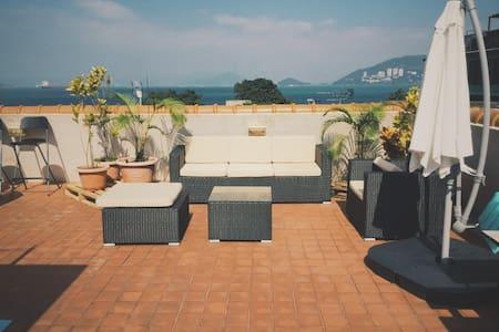 Sea view rooftop apartment on Lamma Island - Hong Kong - Apartment