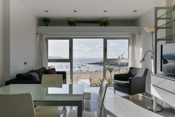 Sea Views - Wonderful & Bright Beach House!! WiFi
