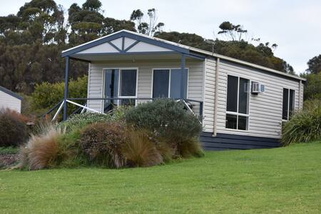 Tidal Dreaming Seaview Cottages #3