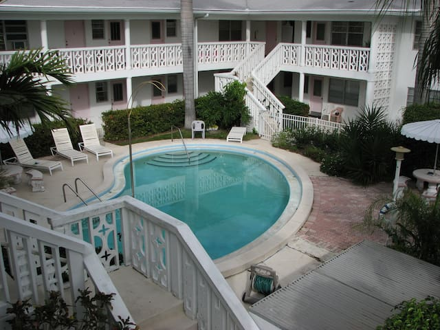 Come spend your winter in Pompano Beach !