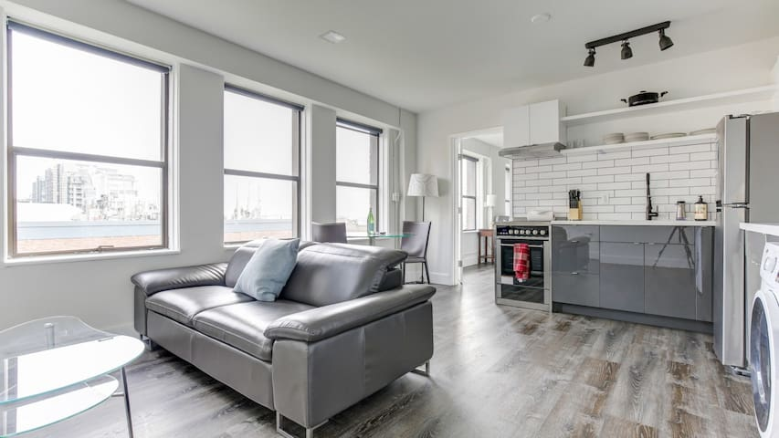 Fabulous 1BD in Seattle, professional cleaning