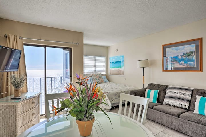 Oceanfront Condo w/ Balcony - Walk to Myrtle Beach