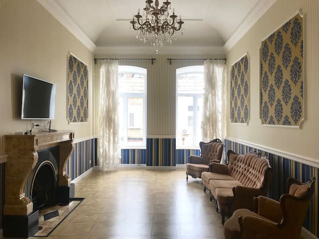 luxury apartments near Deribasovskaya