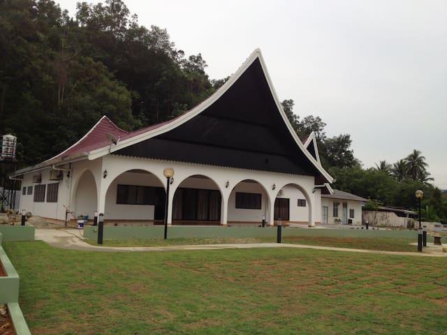 Kuala Kubu Bharu Homestay - Kuala Kubu Bharu - Bungalow