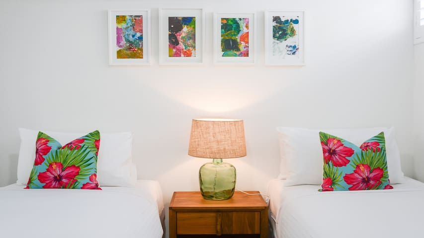 2 Bedroom Apartment with Rooftop Terrace - Hampton - Apartament