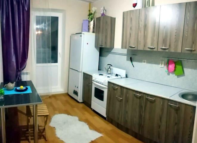 Комфортное жилье 3 комнатная квартира - Naberezhnye Chelny - Appartement