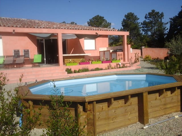 Bright house w/ pool in Solaro - Solaro - Ev