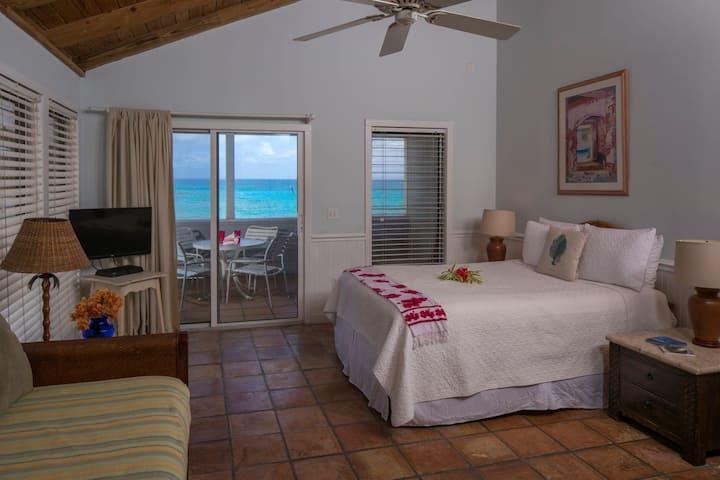 Coconut Coast Villas - Poinsettia Waterfront Studio