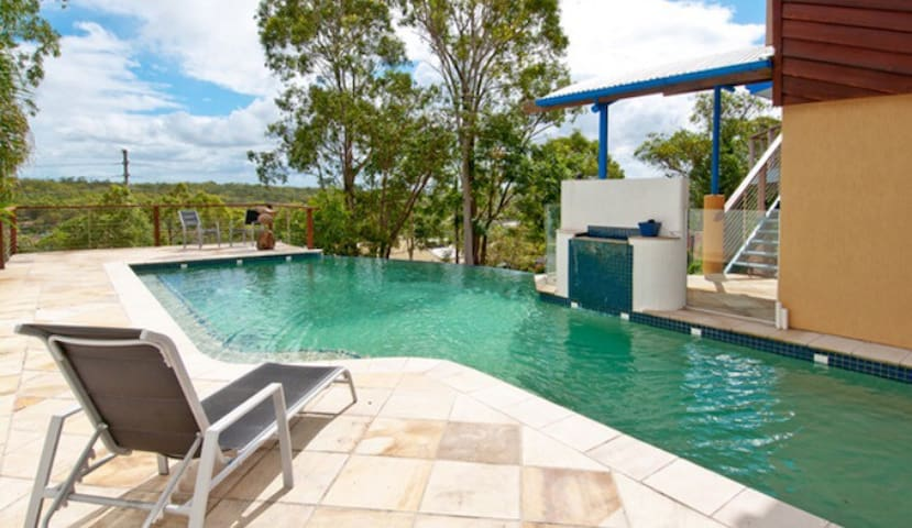 Own living space with sauna & pool - Beenleigh