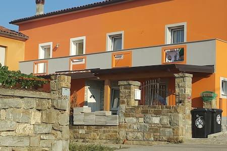 Romi's house - Sveti Anton