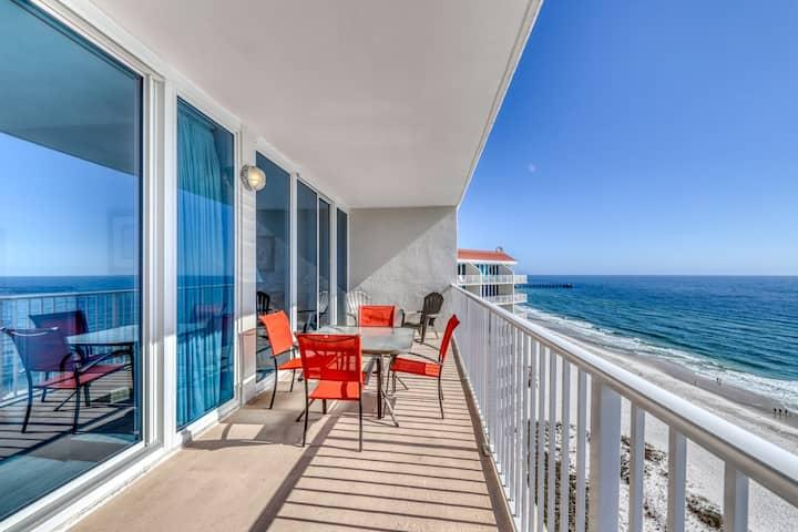 Gulf-front condo w/ balcony & shared pools/hot tubs/sauna! Family-friendly!