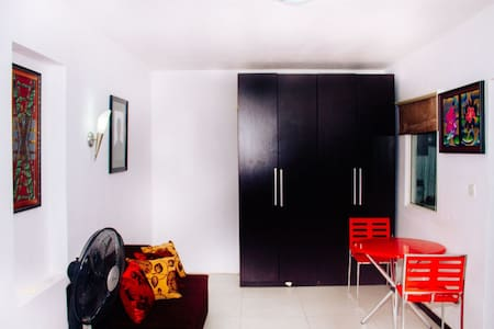 Fully furnished studio in a secure and green area - Lekki - Lejlighed