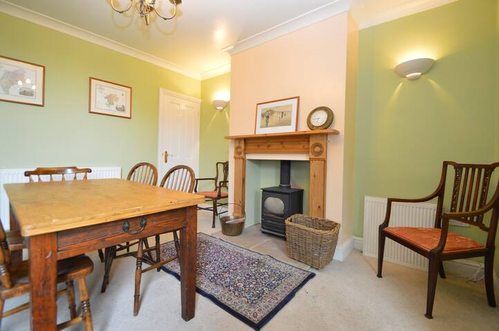 Two bed house in centre of Newark
