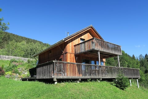 Luxury chalet with beautiful views and jacuzzi