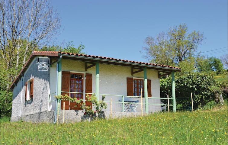 Holiday cottage with 2 bedrooms on 35m² in St. Bressou