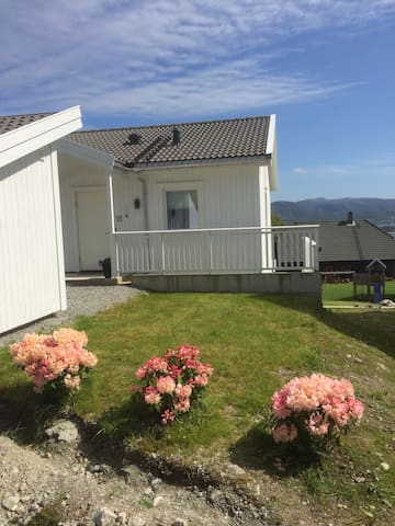 Apartment 10 minute drive from Preikestolen - Jørpeland - Lejlighed
