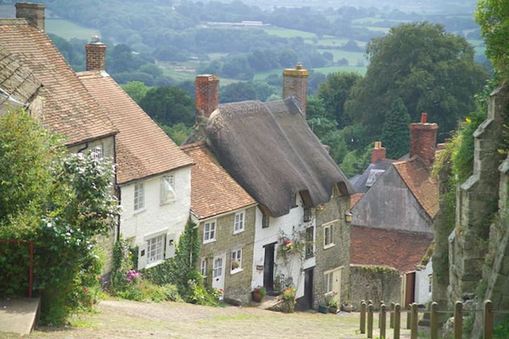 5* luxury actually on Hovis Hill now in 10th year! - Shaftesbury - Dom