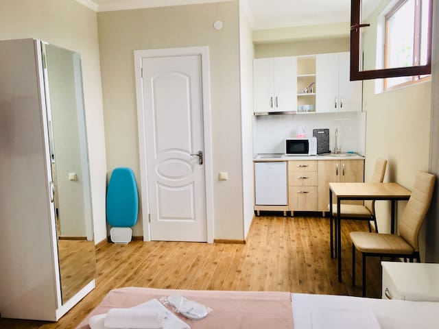 -30% APARTMENT WiTH TERRACE IN OLD TBILISI 4