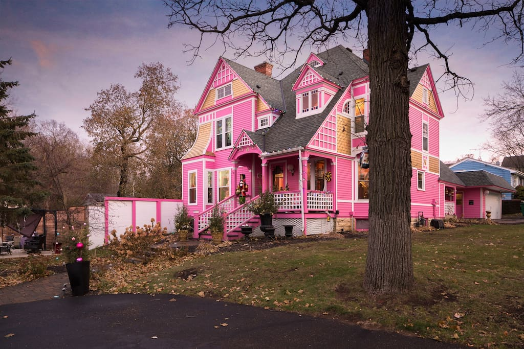 The Pink Castle 30 Miles From Minneapolis Houses For
