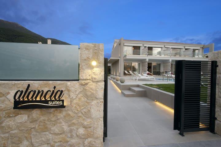 Alancia  Suites 1