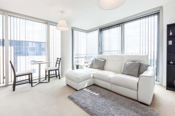 City Central Hub Apartment, great location!