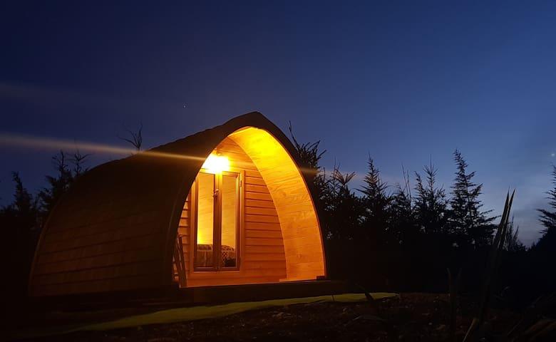 huts at night.. amazing night sky
