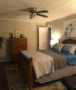 Happy Nest - in the heart of Nacogdoches
