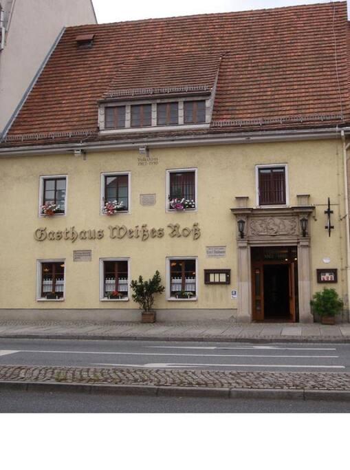 Straßenansicht Gasthaus Weißes Roß