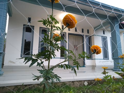 Andini Homestay with Terrace View