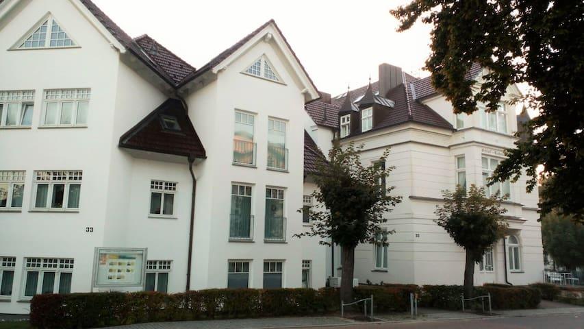 Schloß Hohenzollern, 2Zi. - Neubau, strandnah - Ostseebad Heringsdorf - Byt